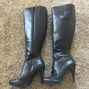 Nine West black tall high heel boots size 6